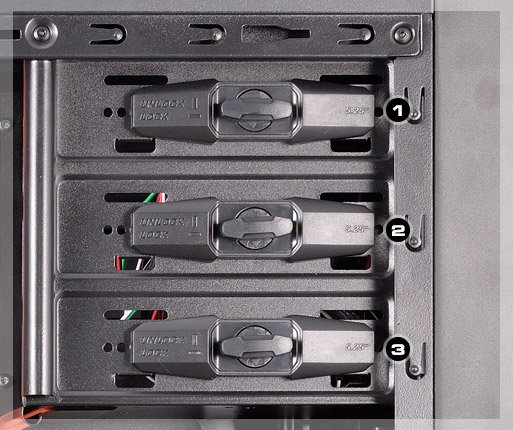 COUGAR MX310 - Screw-less drive bays for 5.25