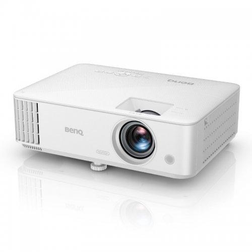Дигитален проектор BenQ MU613, DLP, WUXGA (1920 x1200), Brightness 4000 AL, 10,000:1, 1.1X zoom (1.5 - 1.65), 15,000 hrs lamp life (LampSave mode), 2.8 kg, Noise 29dB (eco), USB Type A x1 (1.5A), Speaker 2W x1, HDMI x2 (1 with MHL), Audio-in, Audio out, White (снимка 1)